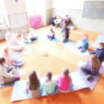 yoga che danza bimbi, Il gruppo di bambini durante la lezione Yoga Aperta e gratuita a Montorso