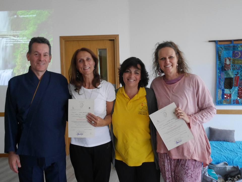 consegna diploma yoga educativo claudia beggiato