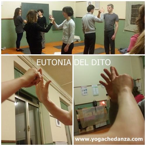 Pratica durante la lezione di Yoga a Montorso